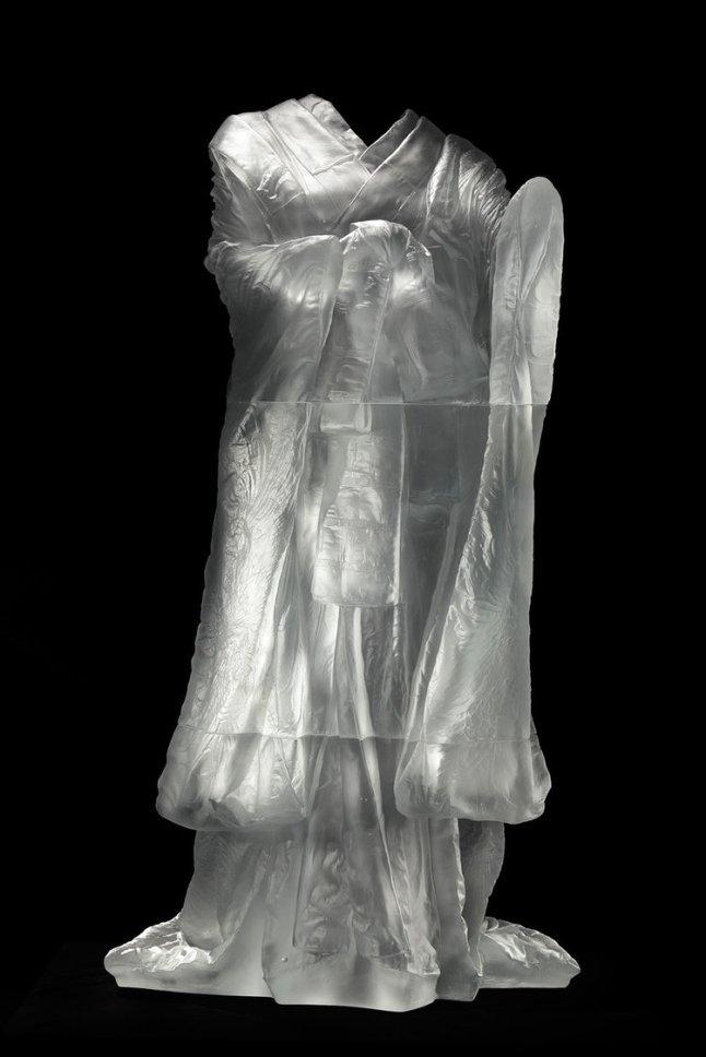 Kabuki, AP1, 2013, cast glass, 59 2/3 x 31 2/3 x 33 in.